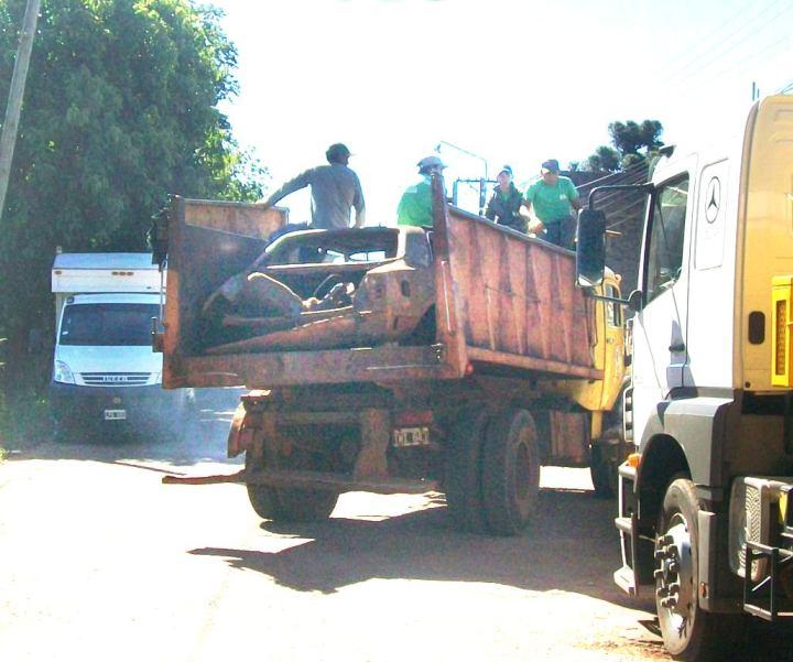 Resultado de imagen para camion municipalidad de obera accidente
