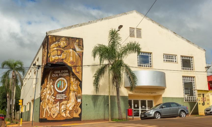 Concejales analizan comprar butacas para el Bicentenario y cambiar el sentido de calleBarreyro