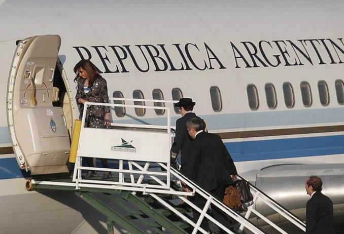 Ex pilotos presidenciales confirmaron en la Justicia que los Kirchner usaban aviones para llevar diarios y muebles a SantaCruz