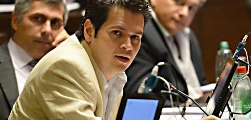 Proponen prohibir la contratación de parientes en el Estado y que los municipiosadhieran