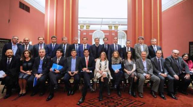 El Gobierno mandó invitaciones para el acuerdo: incluyó a Cristina Kirchner, gobernadores, empresarios, la Iglesia y laCGT
