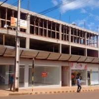 Edificio construido en tiempo record pertenece a un ministro