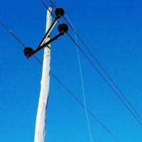 Operario falleció al recibir una descarga eléctrica mientras realizaba tareas en un poste de energía