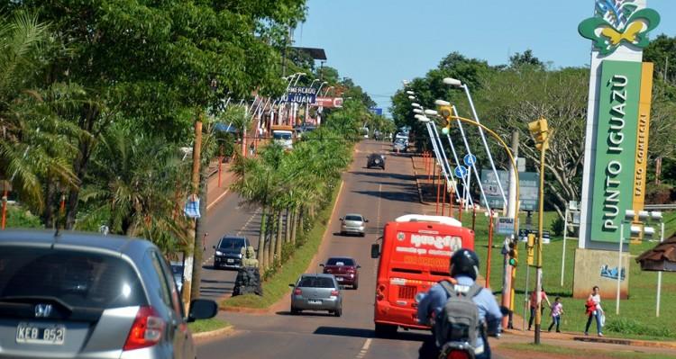 Semáforos tendrán cámaras fotomultas para los que pasan en rojo enIguazú