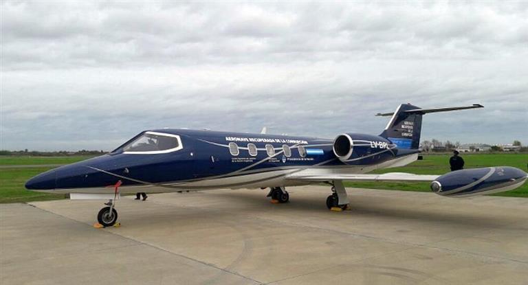 Bullrich entregó el avión que era de Lázaro Báez a la PolicíaFederal