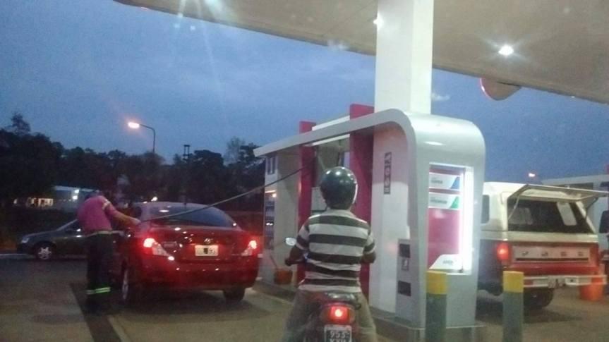 Dos gobernadores irán a la Corte Suprema contra el decreto de Macri para congelar el precio delcombustible
