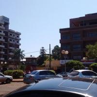 Sorprendió a un adolescente robando dentro de su auto en avenida Libertad