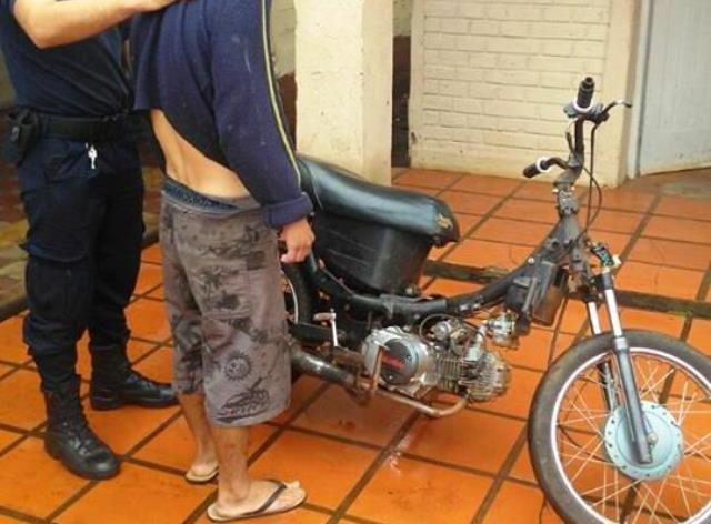 La madre entregó a la policía la moto robada que había comprado elhijo