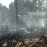 Una mujer murió calcinada tras incendiarse un galpón y su casa