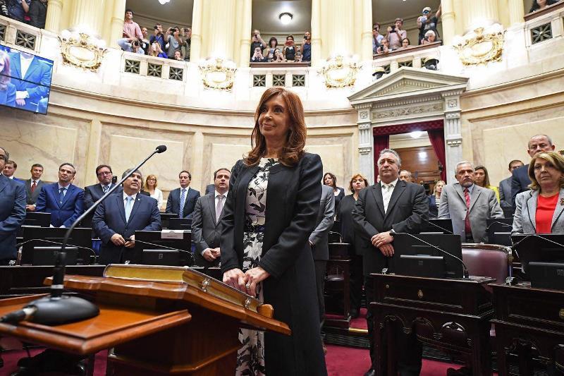 Confirmaron procesamiento con prisión de Cristina Kirchner por considerarla jefa de una asociaciónilícita