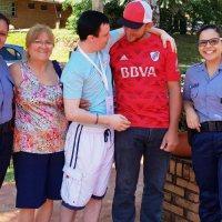 Un joven se reencontró con su familia luego de 20 años