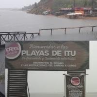 Con la apertura del vertedero de Yacyretá, inhabilitaron varias playas por la crecida
