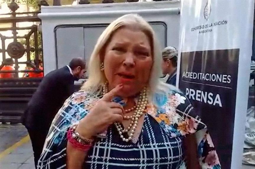 Carrió amenaza a Macri con romper con Cambiemos si abre la puerta al peronismo yLousteau