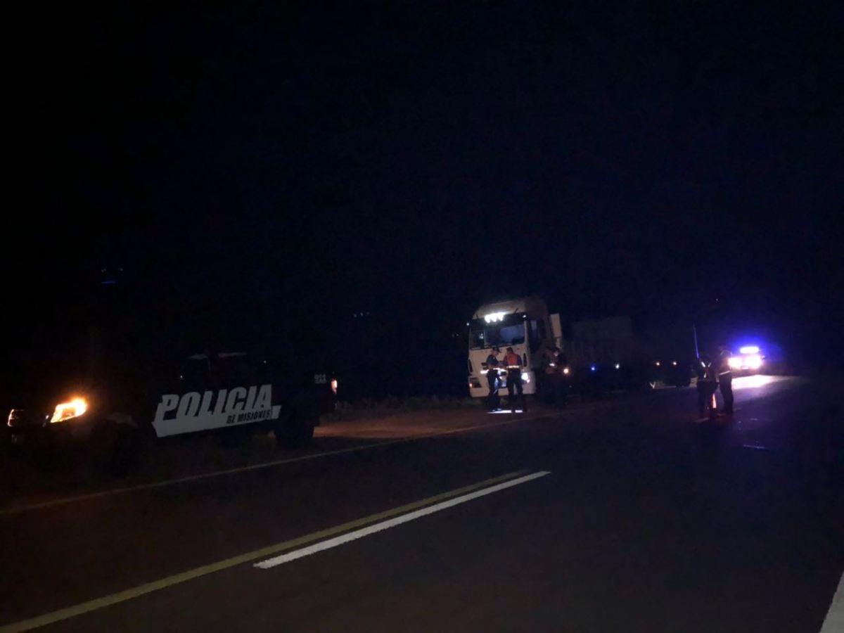Intentó suicidarse al arrojarse bajo un camión en la ruta 14