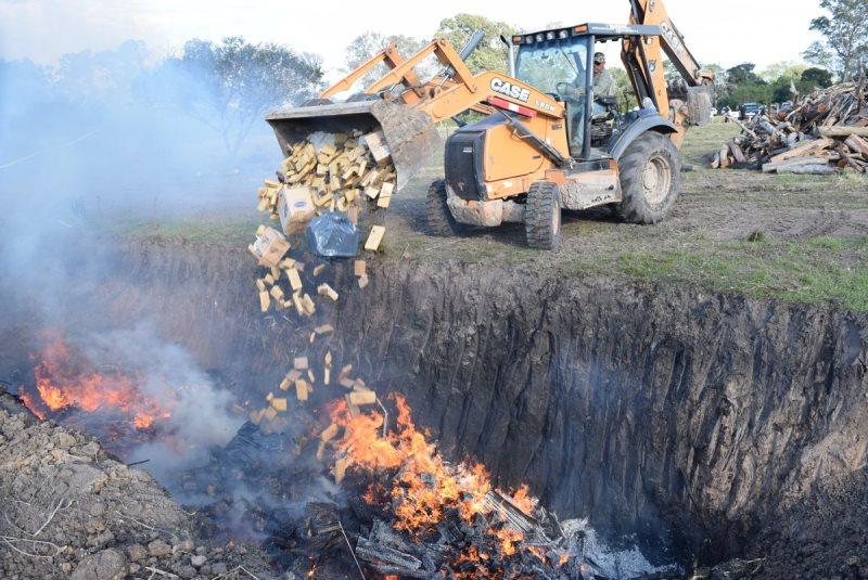 Incineraron 30 toneladas de droga incautada en Corrientes, Entre Ríos yMisiones