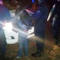 Sujeto en una moto intentó apuñalar a un policía en avenida Italia
