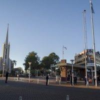 Todos los días izarán las banderas a las 8 am en el centro cívico, peatones y vehículos deberán detenerse