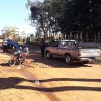 Colisión entre una camioneta y una moto en calle Pergamino dejó una persona herida
