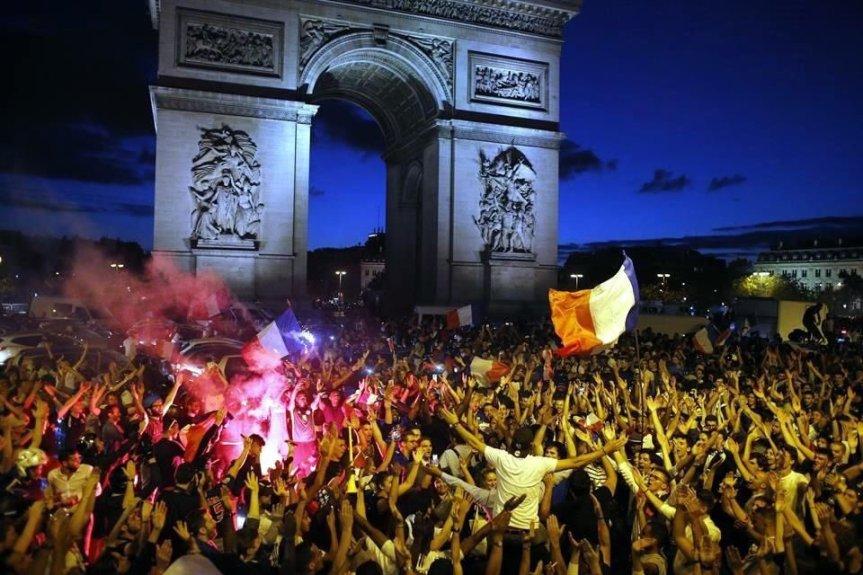 Francia bicampeón: Festejos en París por la Copa delMundo