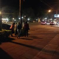 """Niños que piden en los semáforos: """"los llevamos a sus casas y conversamos con sus padres"""""""