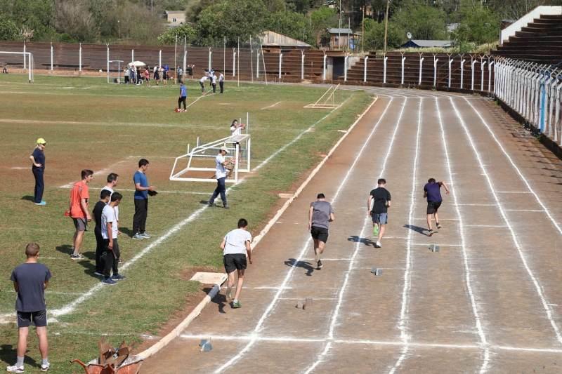 Se desarrollaron los Juegos Deportivos Misioneros en el IanBarney