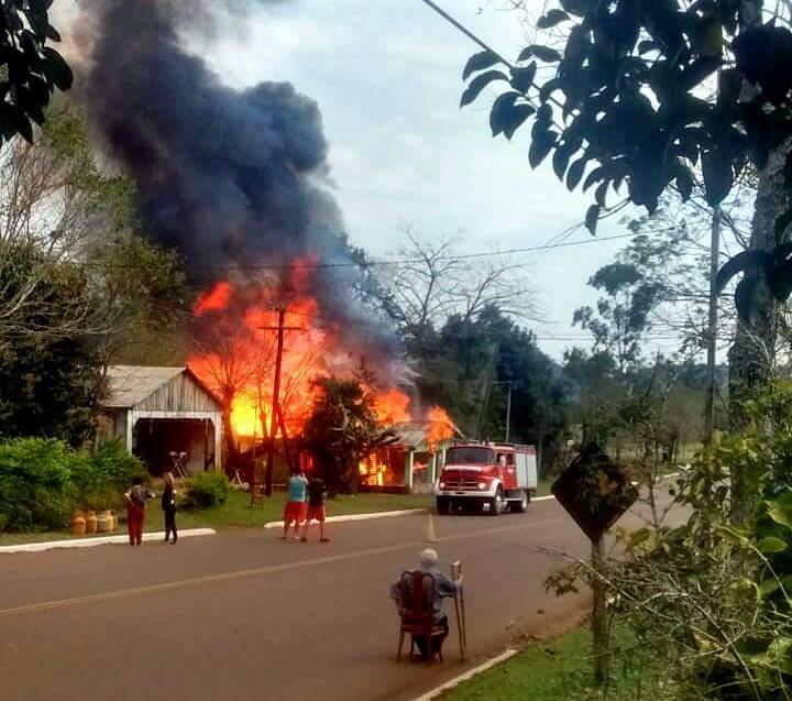 Una pareja perdió todo tras incendiarse suvivienda