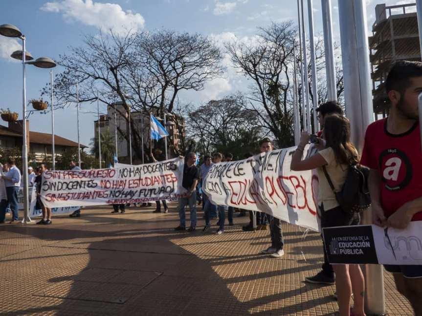 La marcha universitaria se hizo sentir en las calles y el centroobereño