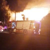 Incendio en una vivienda de calle Tierra del Fuego comenzó en el cielo raso del garage