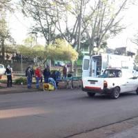 Barrendero municipal fue embestido por un auto