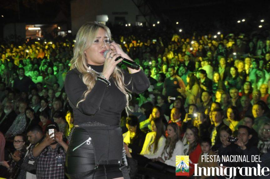 """Ante miles de fans, Karina """"La Princesita"""" hizo vibrar el Parque de lasNaciones"""