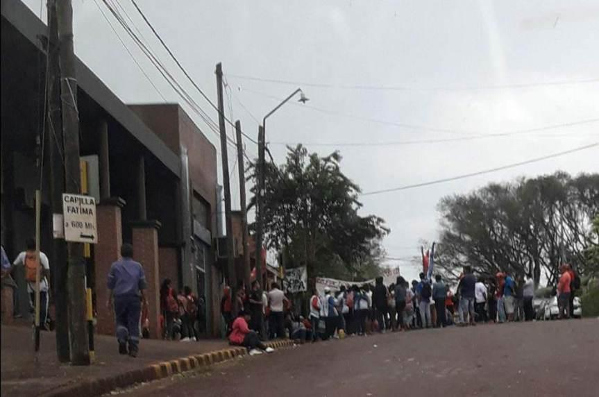 Tareferos protestaron frente al Juzgado pidiendo la liberación de HugoSilva
