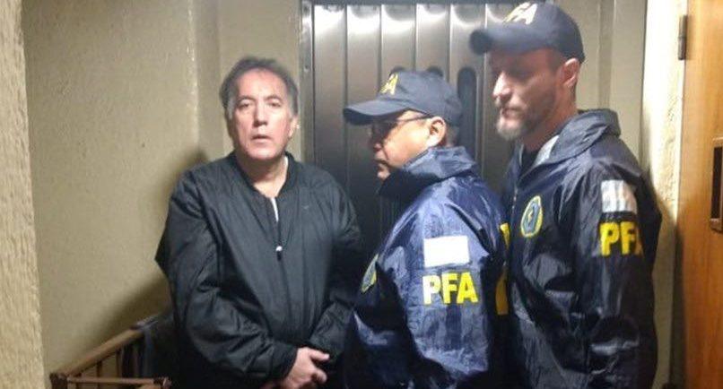 Tras 48 días prófugo, detuvieron al renovador Oscar Thomas en CapitalFederal