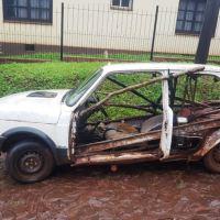 """Secuestraron vehículo que circulaba """"atado con alambres"""""""