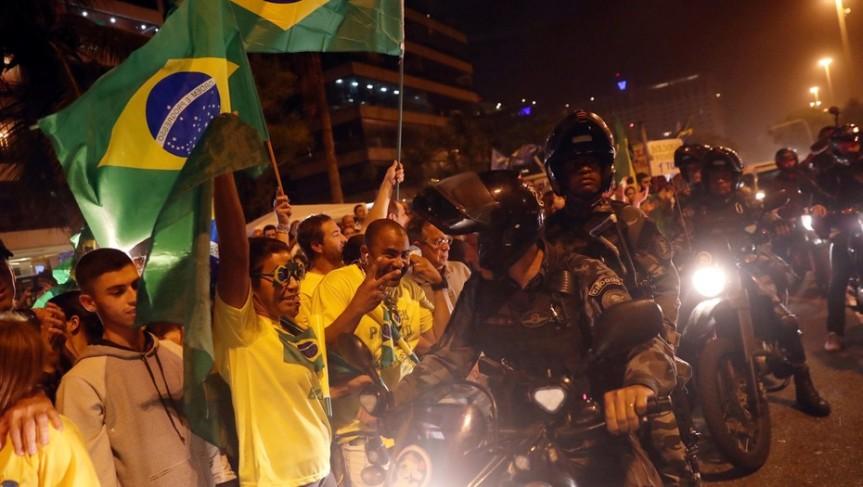 A segunda vuelta en Brasil: El candidato de Lula logró solo 28,9 % frente al derechista Bolsonaro con46,2%