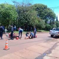 Motociclistas colisionaron con una camioneta, uno quedó en grave estado