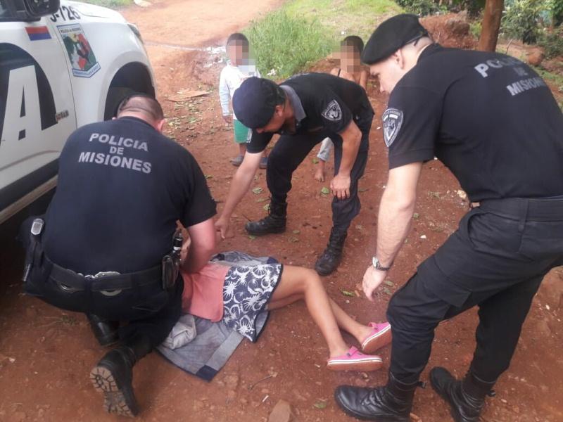 Policías reaniman a una niña mediante maniobras deRCP