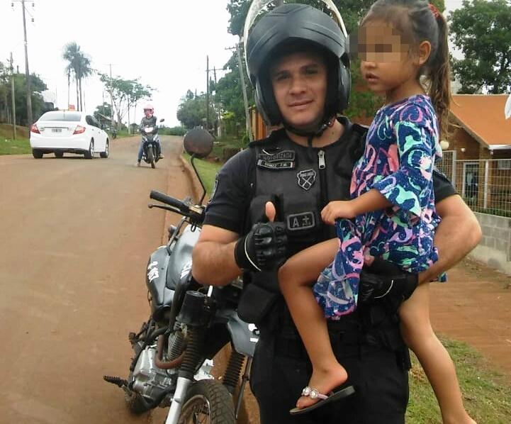Hallaron a una niña perdida que había salido detrás de su hermanita en calleMendoza