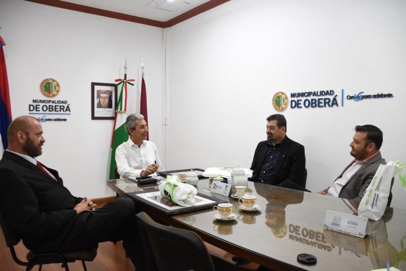 Fernández se reunió con su par de Porto Mauá por las gestiones para elpuente