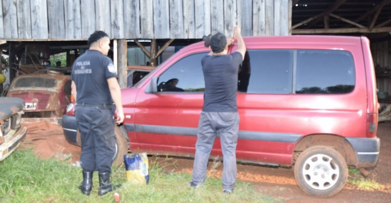 Secuestraron camioneta acondicionada para el narcotráfico robada en BuenosAires