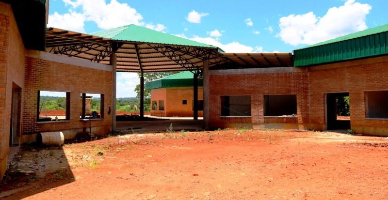 Recorrieron obras del Hogar Centro de Día a lado del Mercado Concentrador en construcción desde2014