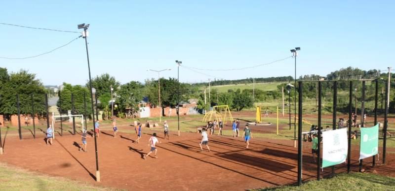 La EBY habilita un espacio para la cultura  y el deporte en la Plaza de los Niños del barrio SanIsidro