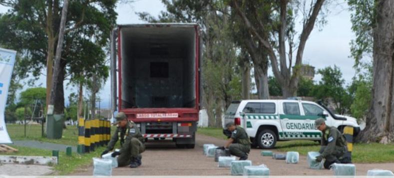 Camión de encomiendas que salió de Misiones fue interceptado con 64 kilos demarihuana