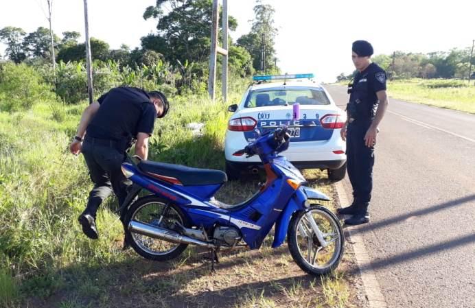 Encontraron una moto robada en unmalezal