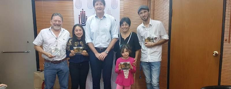 La cantante obereña Pilar Paredes recibió su primer materialdiscográfico