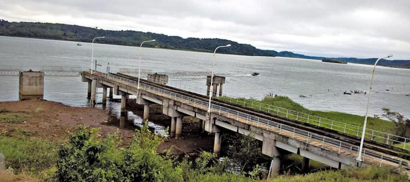 Paraguay transporta 3 millones de toneladas anuales por el Paraná, mientras los puertos de Posadas y Santa Ana siguen sinoperar