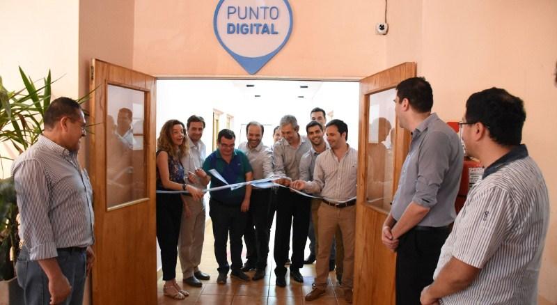 """Inauguraron el """"Punto Digital Oberá"""" en la Casa delBicentenario"""