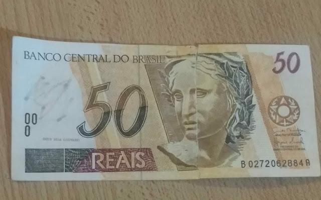 Detuvieron a un brasileño comprando con realesfalsos