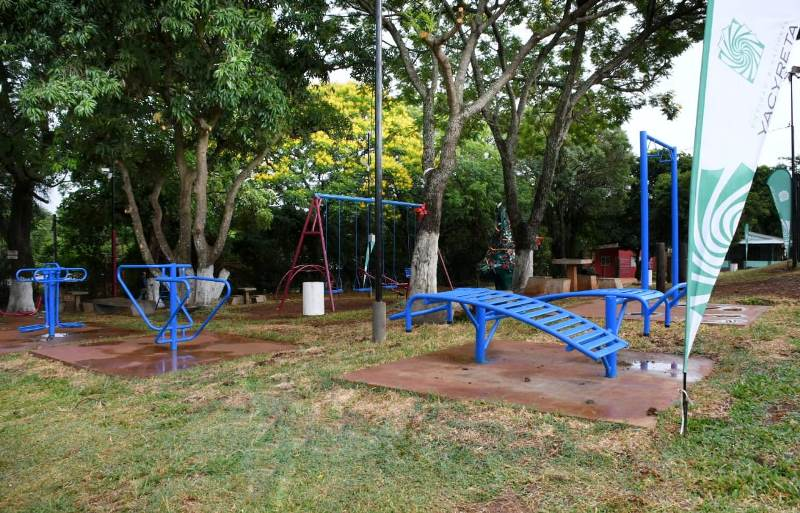 La EBY inaugura un parque recreativo en el B°Yohasá