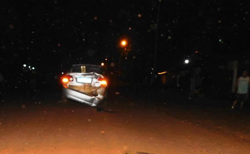 Motociclista impactó contra un auto en avenida YerbalViejo