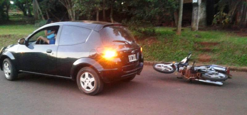 Detuvieron a un automovilista ebrio, armado con un cuchillo que intentó agredir a motociclista tras unchoque